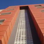 Fachada de bloque de viviendas